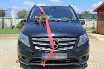 GELİN ARABASI - Gelin Arabasından 11 Kaçak Göçmen Çıktı.