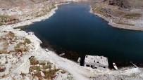 OSMAN USLU - (Özel) Su Altında Kalan Köyleri Ortaya Çıktı, Çocukluk Anıları Canlandı