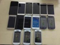 AKILLI CEP TELEFONU - Van'da 15 Adet Kaçak Cep Telefonu Ele Geçirildi