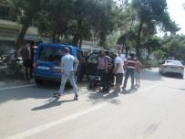 Erdek'te Jandarma Aracı Kaza Yaptı Açıklaması 2 Yaralı