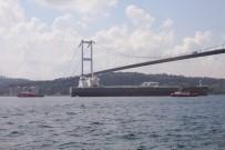 KIYI EMNİYETİ - İstanbul Boğazı Gemi Trafiğine Kapatıldı