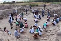 Kırşehir'de Çocuklar Bir Günlüğüne Arkeolog Oldu