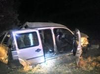 Kontrolden Çıkan Araç Takla Attı Açıklaması 3 Yaralı