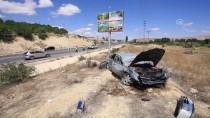 HULUSİ EFENDİ - Malatya'da Otomobil Tarlaya Devrildi Açıklaması 5 Yaralı
