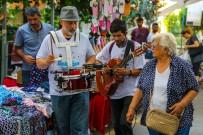 SEMT PAZARLARı - Maltepe'nin Pazar Ve Parklarında Müzik Coşkusu