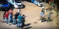 (ÖZEL HABER) - Bursa'da Minibüs Durağı Savaş Alanına Döndü