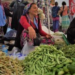 Tatilciler Havran Köylü Pazarına Akın Ediyor