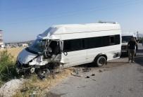 TAKVA - Van'da 2 Minibüs Kafa Kafaya Çarpıştı Açıklaması 1 Ölü, 3 Yaralı