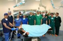 AHMET TEKIN - Yeni Binasına Taşınan Meram Tıp Fakültesi İlk Ameliyatın Yaptı