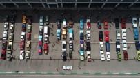 İSTANBUL PARK - 30 Ağustos Zafer Bayramı'nda Klasik Otomobilcilerin Zafer Turu Havadan Görüntülendi