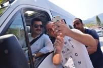 BAĞYURDU - Belediye Başkanı Şoför Oldu, Ücretsiz Yolcu Taşıdı