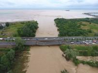 KARADENIZ SAHIL YOLU - DSİ Açıklaması 'Ünye-Cevizdere Köprüsü'ne 215 Yıllık Debi Vurdu'