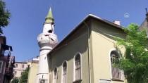 EMEKLİ İMAM - Hasar Gören Tarihi Caminin Minaresinin Yapımına Başlandı