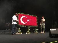 SULTAN ALPARSLAN - İzmir'de Murat Boz Coşkusu