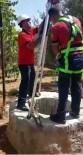 YAVRU KEDİ - Kilis'te Kuyuya Düşen Yavru Kedi Kurtarıldı