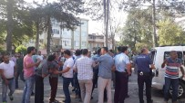 Odun Ve Satırlarla Saldırdılar Açıklaması Kavgaya Hastanede Devam Ettiler