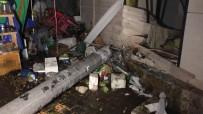 Otomobil Zeytin Dükkanına Girdi Açıklaması 2 Ölü