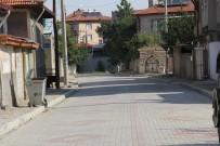 Şuhut'ta Bozuk Yollar Onarılıyor