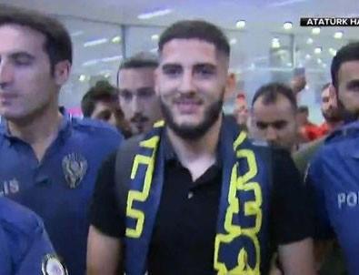 Yassine Benzia Fenerbahçe için İstanbul'a geldi!