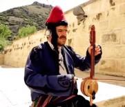 MEHMET TIRYAKI - Antalyalı Yerel Sanatçı Kalbine Yenik Düştü