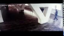 SEYFULLAH - Boks Antrenörüne Eski Sporcularının Saldırı Anı Güvenlik Kamerasında