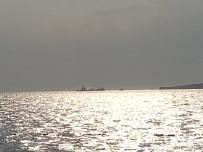 MARSHALL ADALARI - İzmir'de Dev Gemide Yangın Paniği