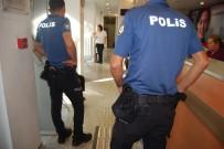 YAŞLI KADIN - Telefon Dolandırıcısına Polis Engeli
