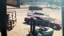 SÜMERLER - Yola Kaçan Topu Almak İsterken Otomobil Çarptı