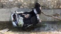Adana'da Otomobil İle Minibüs Çarpıştı Açıklaması 16 Yaralı