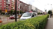 ADALET SARAYI - Eskişehir'de Adliyeye Getirilen Şüpheli 3. Kattan Atladı