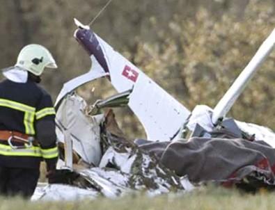İsviçre'de uçak düştü: 20 kişi hayatını kaybetti