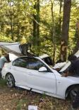NEBIOĞLU - Sağlık Çalışanlarının Bulunduğu Otomobil Ağaca Çarptı Açıklaması 1'İ Ağır 4 Yaralı