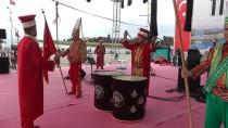 GÖSTERİ UÇUŞU - Türk Yıldızları, Konya'da Gösteri Yaptı