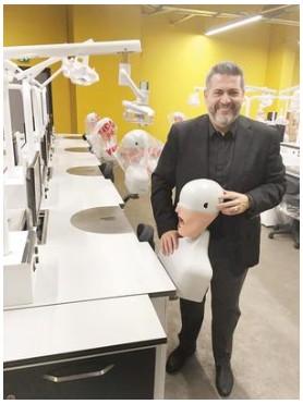 Dişçilik İçin 300 Robotu Getirdi İzin Bekliyor