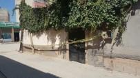 CİNAYET ZANLISI - En Yakın Arkadaşını 50 Lira İçin Öldürüp Gömerek Üzerine Fayans Dizdi