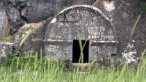 HELENISTIK - Kahramanmaraş'taki Kaya Mezarlar Dikkati Çekiyor