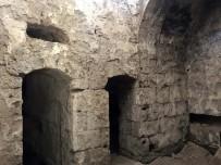 EREN ÜNIVERSITESI - Bitlis Kalesi'nde Osmanlı Dönemine Ait Mezar Bulundu