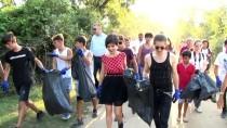 Aydilge Karacabey Longozu'nda Çöp Topladı
