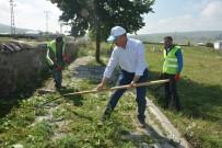 Başkan Köksoy, Personeli İle Temizlik Çalışmalarına Katıldı