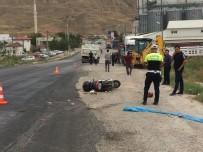 Çankırı'da Kamyon Motosiklete Çarptı Açıklaması 1 Ölü