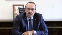 FINDIK HASADI - Çocuklar Yere Düşen Türk Bayrağını Öpüp Kaldırdı