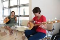 MUHITTIN BÖCEK - Kadınların Çocukluk Hayalleri, Bağlama Kursunda Gerçekleşiyor