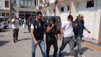 SÜMERLER - Mersin'de Bir İş Yerinden Çelik Kasa Çalınma Anı Kamerada