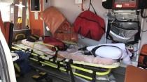 KıZıLAĞAÇ - Muğla'da Hasta Taşıyan Ambulans İle Otomobil Çarpıştı Açıklaması 4 Yaralı