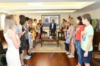OSMAN KAYMAK - Samsun Valisi, Ukraynalı Çocuklar İle İstiklal Marşı Okudu