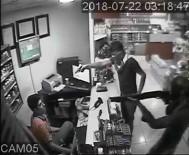 POMPALI TÜFEK - Akaryakıt İstasyonu Soyguncuları Yakalandı