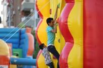 BUZ PATENİ - Eğlence Parkı Çocukları Mutlu Etti