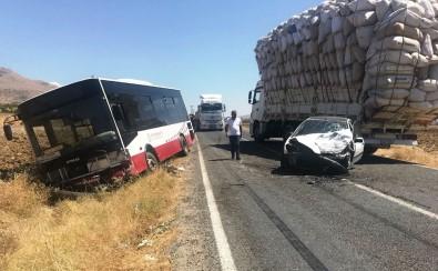 Ergani'de Trafik Kazası Açıklaması 3 Yaralı