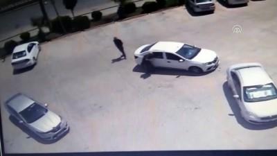 Bursa'da lastiğini patlattıkları araçtan 100 bin TL çaldılar