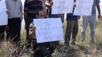KÖMÜR OCAĞI - Köylüler Merada Pankart Açtı